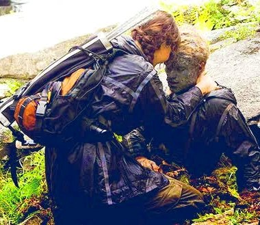 Katniss_saves_Peeta