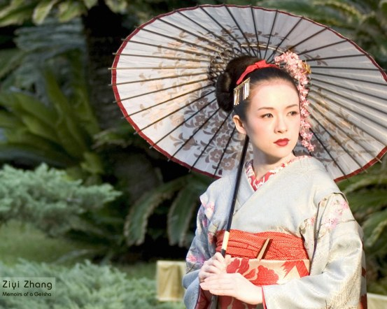 Zhang Ziyi sebagai Nitta Sayuri di Memoirs of a Geisha. Photo credit: Columbia Pictures
