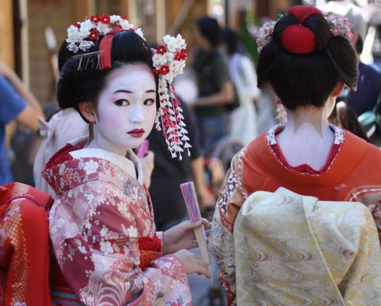 Ilustrasi maiko. Photo credit: Pinterest