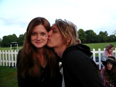 Bonnie Wright - Jamie Campbell Bower. Photo by twifans.com