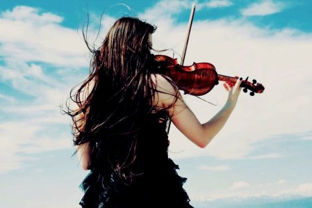 225498__mood-mood-girl-dress-violin-wind-sky-clouds_p