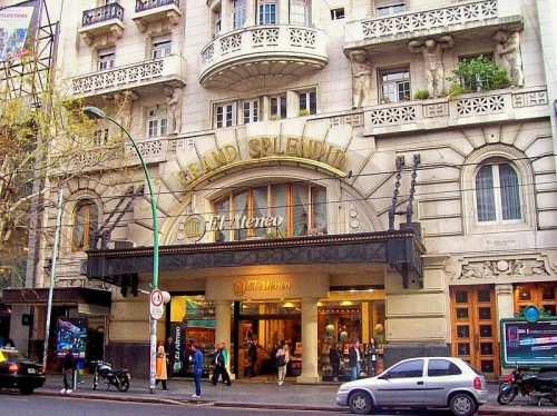 El Ateneo Grand Splendid. Photo by Wikimedia Commons/Roberto Fiadone