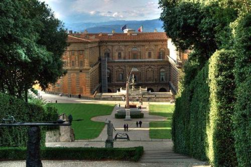 Palazzo Pitti. Source: Walkaboutflorence.com
