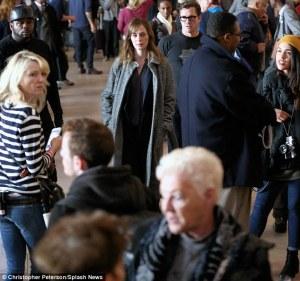 Emily Blunt sebagai Rachel dalam film The Girl on the Train. Photo taken from DailyMail