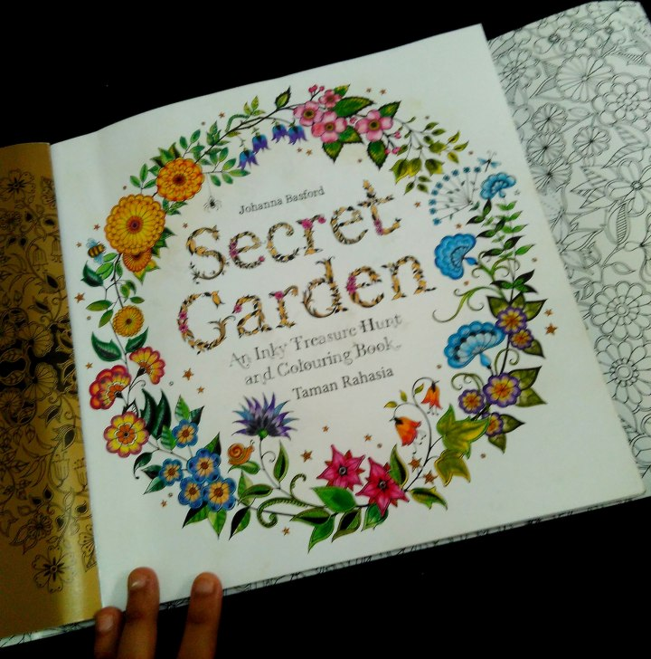 [Review Buku] Secret Garden: An Inky Treasure Hunt and Colouring Book – Johanna Basford