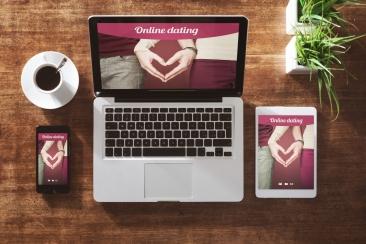 Ilustrasi online dating. Photo credit: Digital Trends