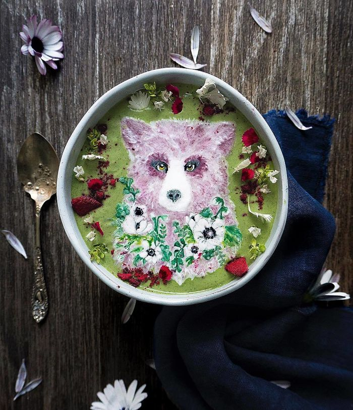 Smoothie bowl karya Hazel Zakariya. Photo credit: Hazel Zakariya