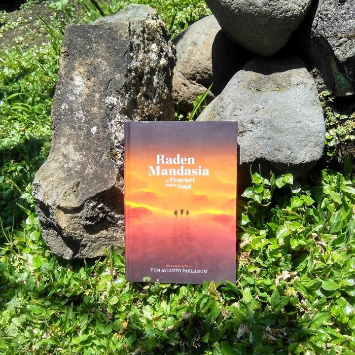 [Review] Raden Mandasia Si Pencuri Daging Sapi, Fantasi Seru Dengan Campuran Kisah Sinbad, Nabi Nuh, Sulaiman, hingga Legenda TangkubanPerahu