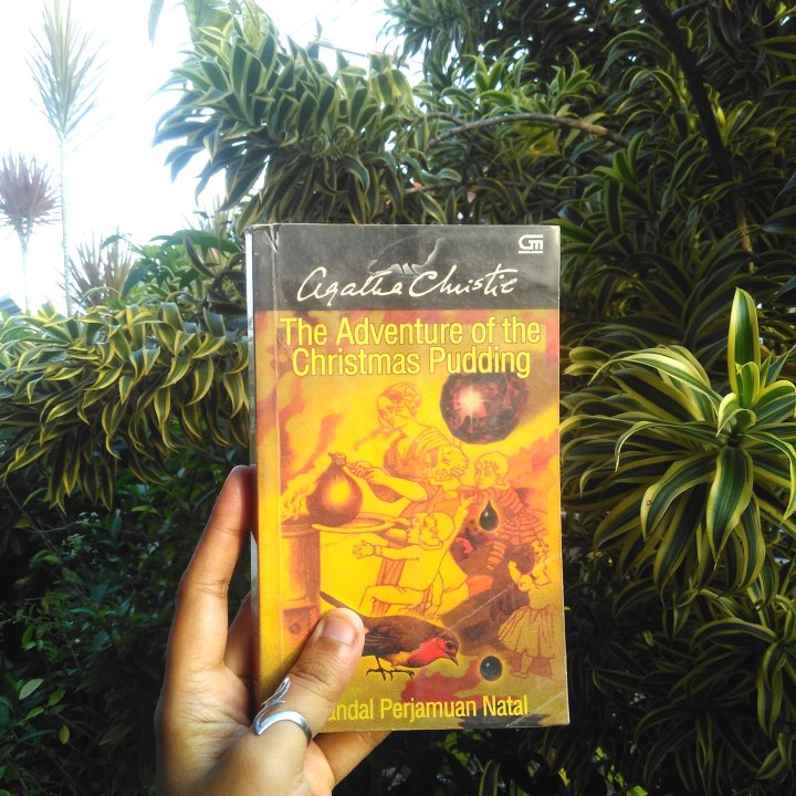 [Review buku] The Adventure of The Christmas Pudding, Wisata Kuliner Bumbu Misteri Bersama Detektif Hercule Poirot