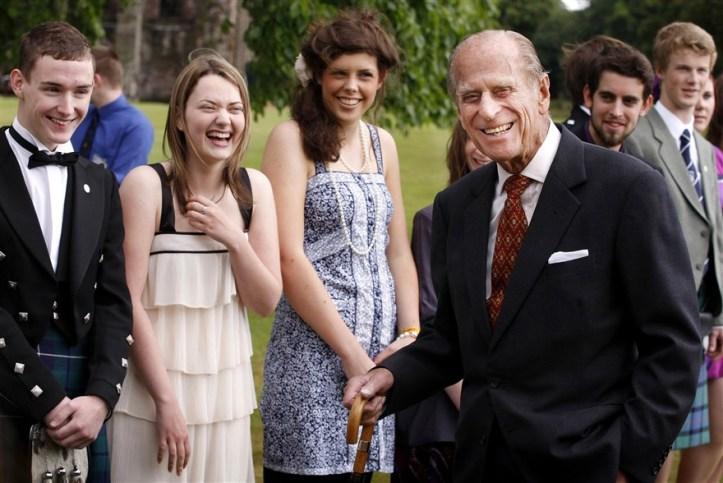 Pangeran Philip di upacara penerimaan The Duke of Edinburgh Gold Award (2010). Photo credit: WPA Pool/Getty Images