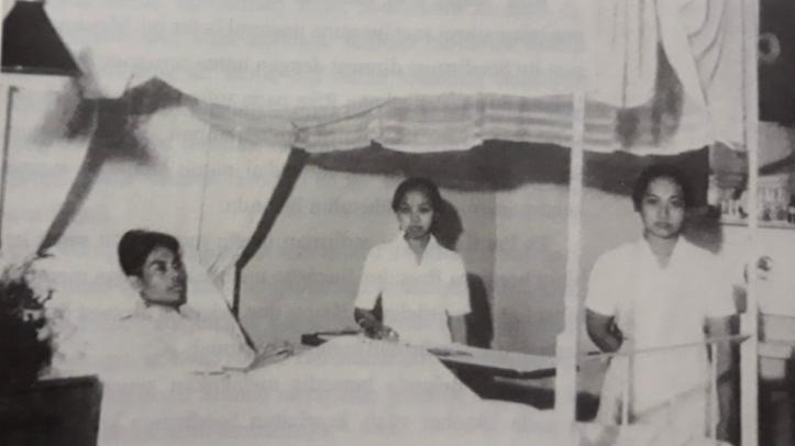 Jenderal Soedirman saat dirawat di RS karena penyakit paru-parunya.
