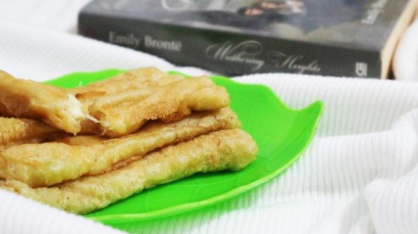 2nd attempt: cheese stick Mari-chan dengan kulit home made. Photo: Tantri Setyorini