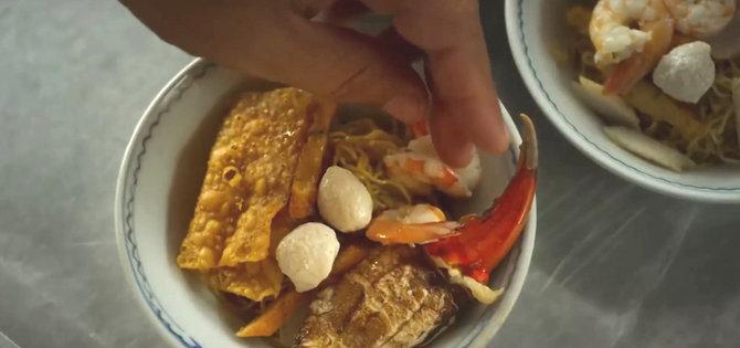 Bakmi kepiting di Aruna dan Lidahnya. Photo: Palari Films
