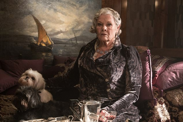 Judi Dench sebagai Princess Dragomiroff di Murder on the Orient Express. Photo: 20th Century Fox